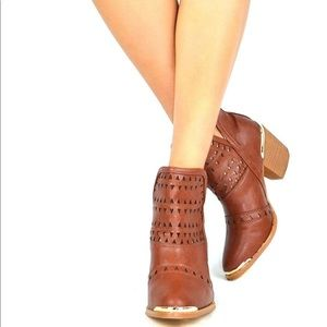 Chase & Chloe Ankle Cowboy Boot Style Size 10
